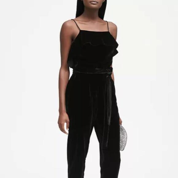 1dd0fc2e64a Banana Republic Dresses   Skirts - Banana Republic 10 black velvet wide  jumpsuit